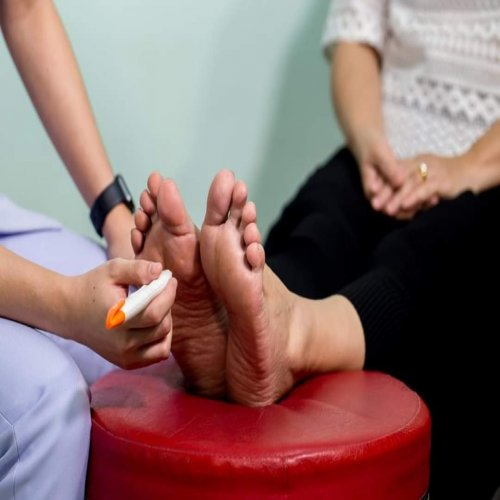 Diabetic Neuropathy: Symptoms, Treatment and Medicines