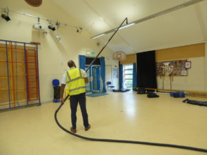 Grant demonstrate internal high reach cleaning system