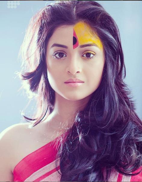 darshana-banik-_-age1