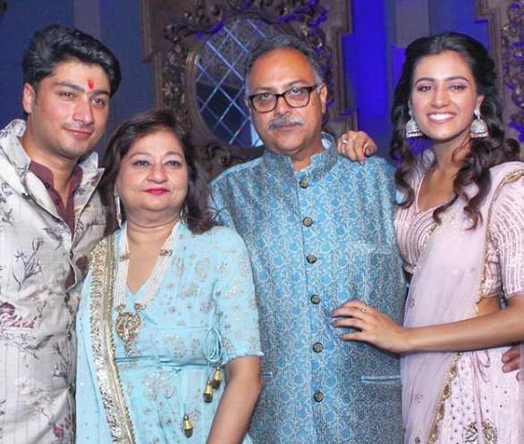 swasti kapur family
