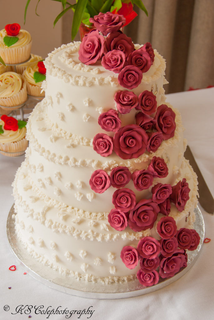 Wedding Cake Wychwood golf club