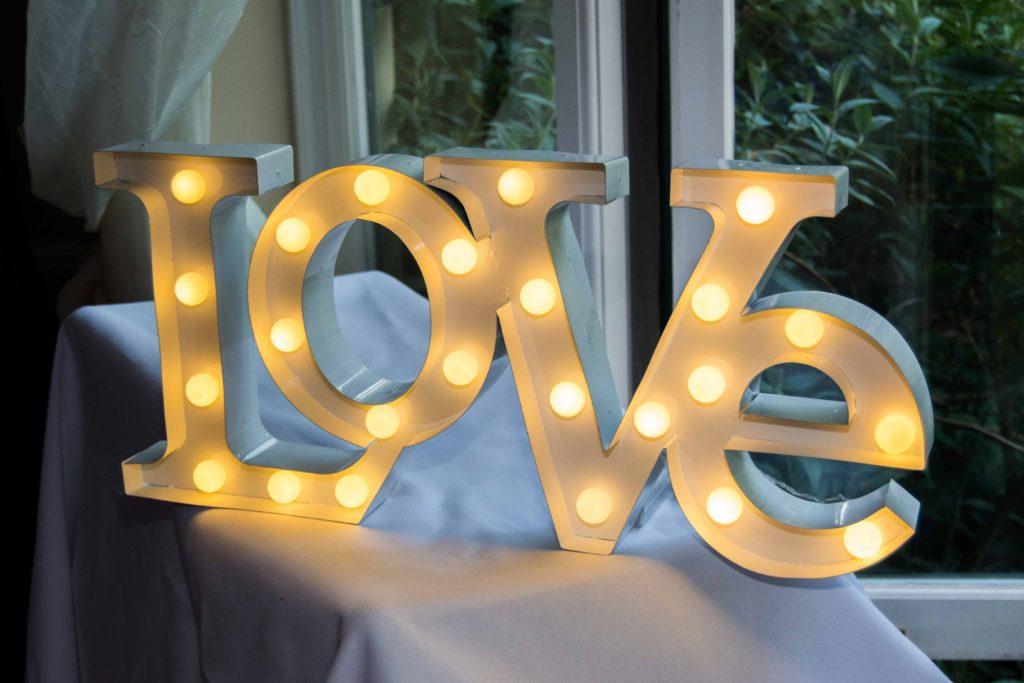 Love Wedding sign