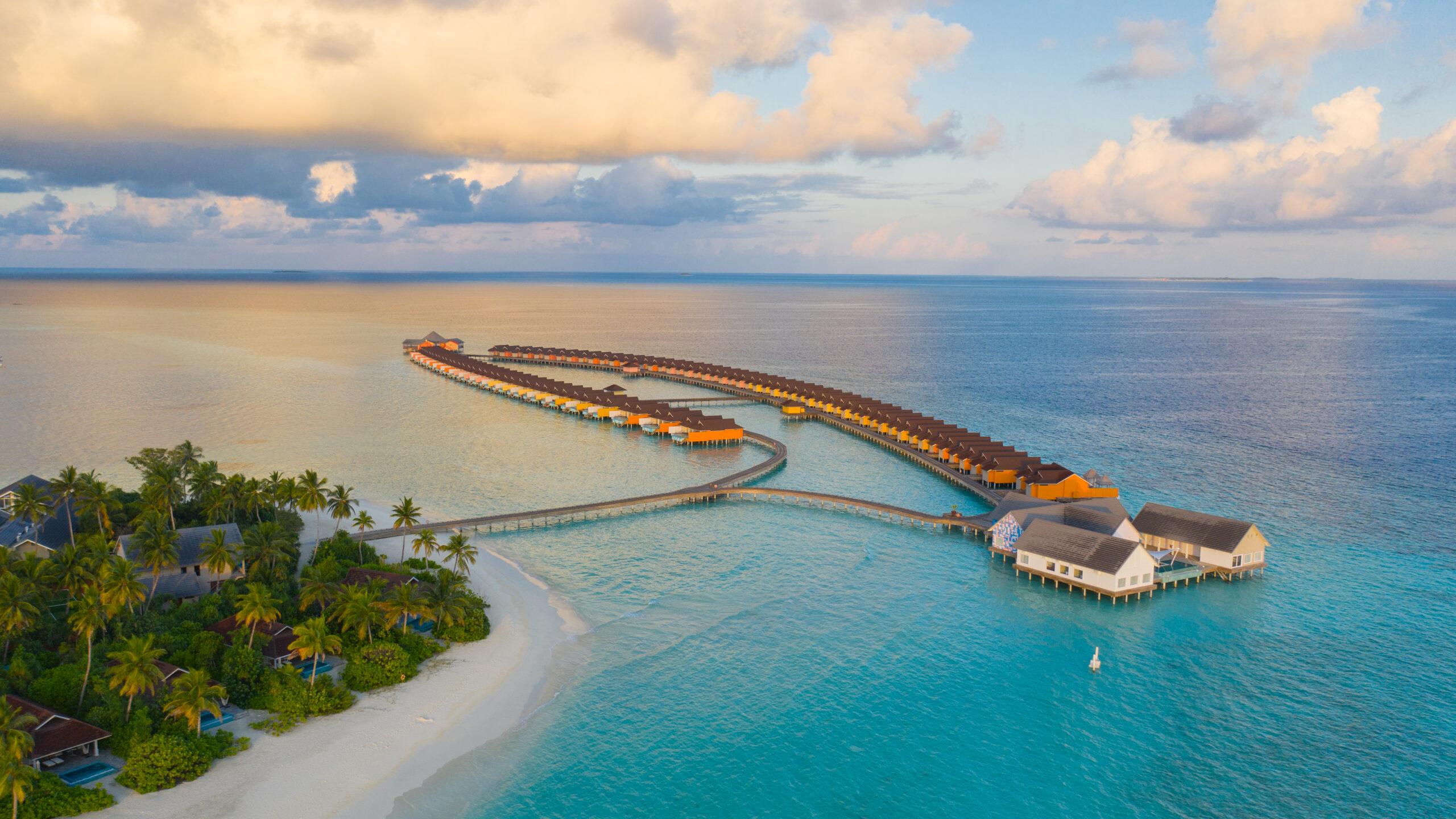 The Standard Huruvalhi 5* Maldive