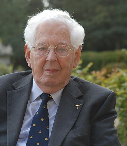 Flight Lieutenant Owen Burns (1915 – 2015)