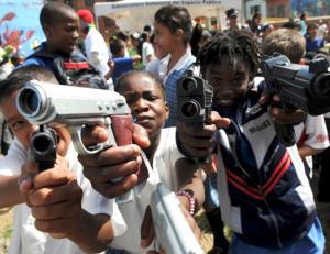 Dia 1 Youth gun culture in Medellin Colombia