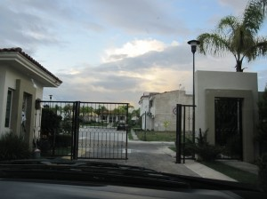 Dia 5 Modern gated community