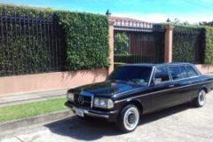 Rohrmoser, Costa Rica. la residencia de Don Oscar Arias y MERCEDES LIMOUSINE 300D