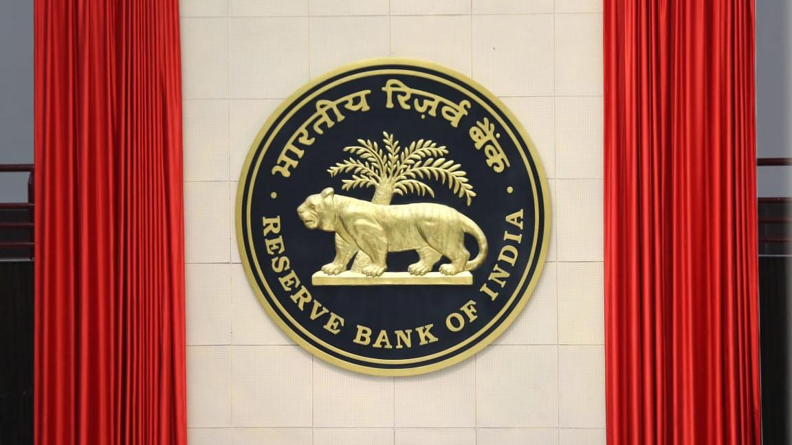 RBI Governor Announces Repo rate cut from 4.4 to 4 percentage