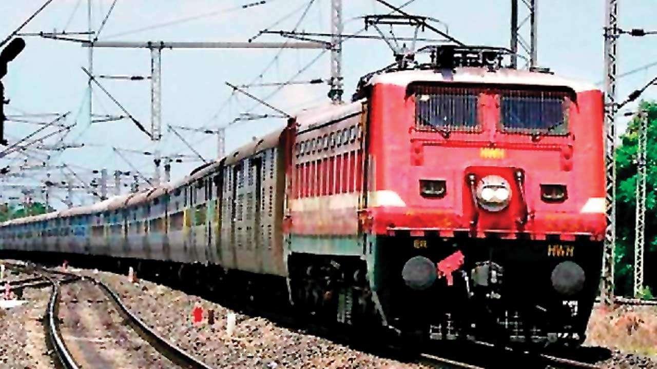 Indian Railways loads 836 rakes of automobiles