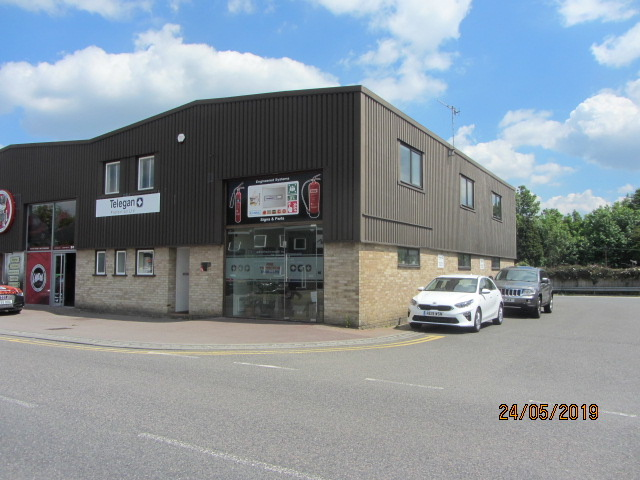 Warehouse / Trade Counter / Industrial – 2,948 sq ft – Redhill RH1