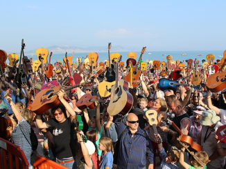 guitars-on-the-beach