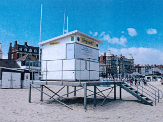 lifeguard-hut