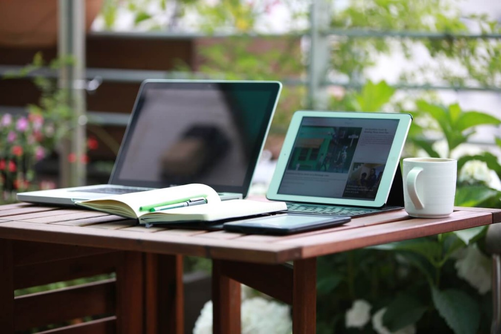 laptops-remote-work-digital-nomads-1