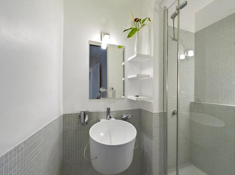 Habitacion blanca, ducha