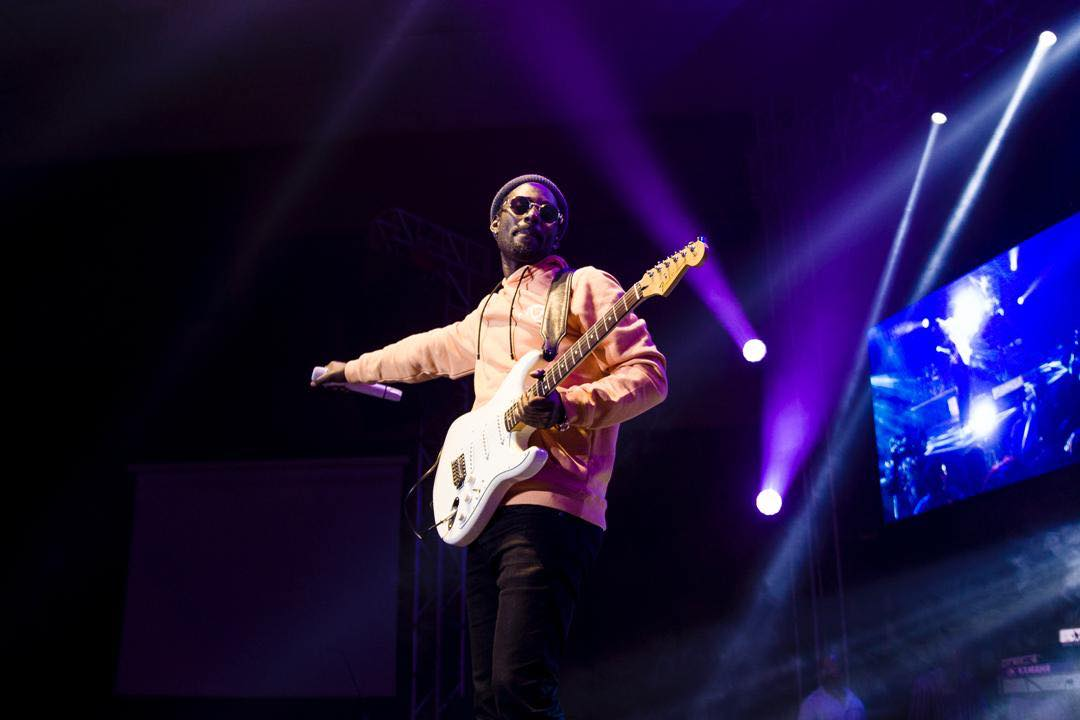 Yesterday 2nd November, one of Uganda's most celebrated good music singers Maurice Kirya staged a successful VIP show for his fans at Kampala Serena Hotel performing several of his hit songs. Although the show looked boring at the start due poor organization and unnecessary delays, Kirya's energetic and well calculated performance excited the hundreds of music lovers who showed up for the Kirya Live show 2018. Kirya's performance came after performances from talented youngsters like Shifah Musisi of the mwooyo fame, JC Muyonjo, the body of Brian and the talented Afric of the 'teriyo Mulala' song. At around 9:40 pm, the misubbawa hit maker stepped on stage dressed in black pants, grey head sock, orange hood, a white shirt, and white shoes where he received screaming from the many fans who came to the show. Kirya started performing his songs one by one for two and a half nonstop music. He performed songs like omwana we busabala, tuli misubbawa, creepy love, omwooyo, headimasita, BodaBoda, Malaika, my heart back, Nze Ani, Insane among several others. Kirya Live 2018 got even more exciting when, the insane singer invited six of his fans to join him on stage. Their extra ordinary dance strokes excited the masses and left them crying for more. During his performance, Maurice Kirya promised his fans that they should expect a more and fully packed Kirya live next year since it will be a festival to celebrate both upcoming and established artistes. He insisted that the fans will the ones to choose the artistes to perform at next year's Kirya Live show. Kirya went ahead and thanked his sponsors which included Club Pilsner, RadioCity, NTV Uganda and most especially his fans he named the biggest sponsors. The show was attended by artistes like Levixone, Kenneth Mugabi, Vampino, several media personalities, business men, socialites, and many others. Below are some of the pictures and moments.