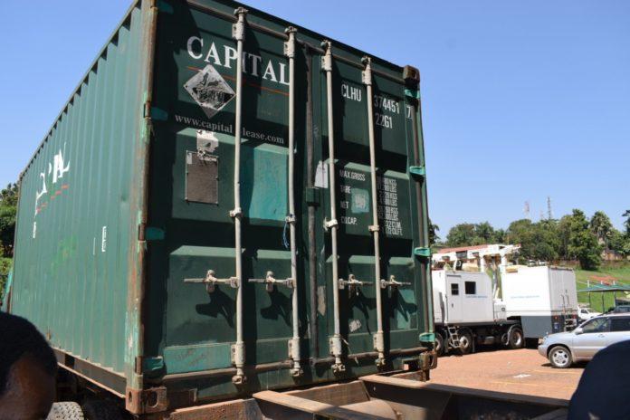 A URA scanner at border point tracks a trailer transporting Kenyan Men to Uganda