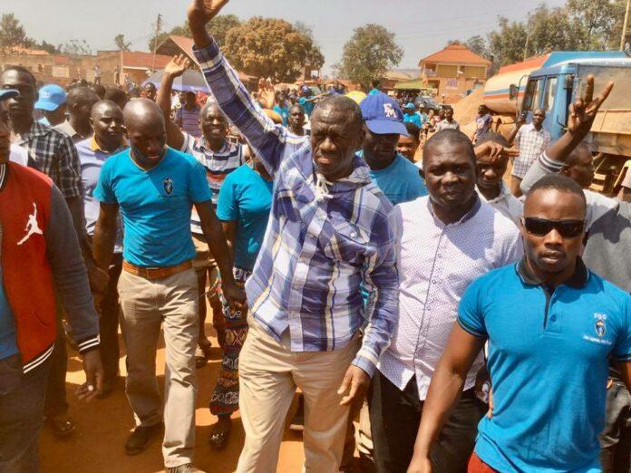 Besigye arrested in Jinja