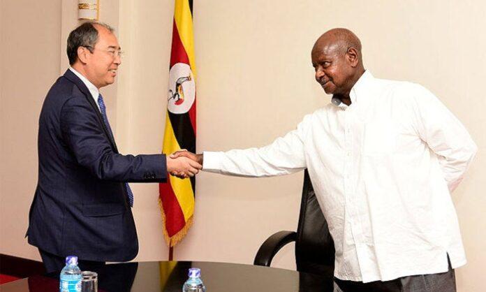 Museveni Coronavirus handshakes2