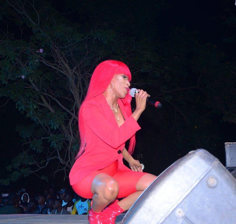 vinka on stage2