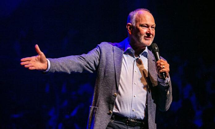 Who is Pastor Gary Skinner?