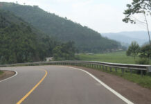 how to travel in Uganda on a budget