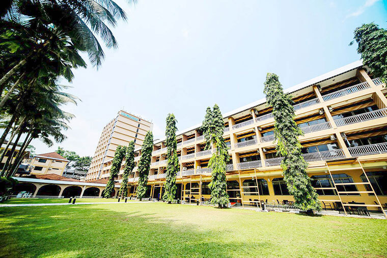 bmk owner hotel africana (1)