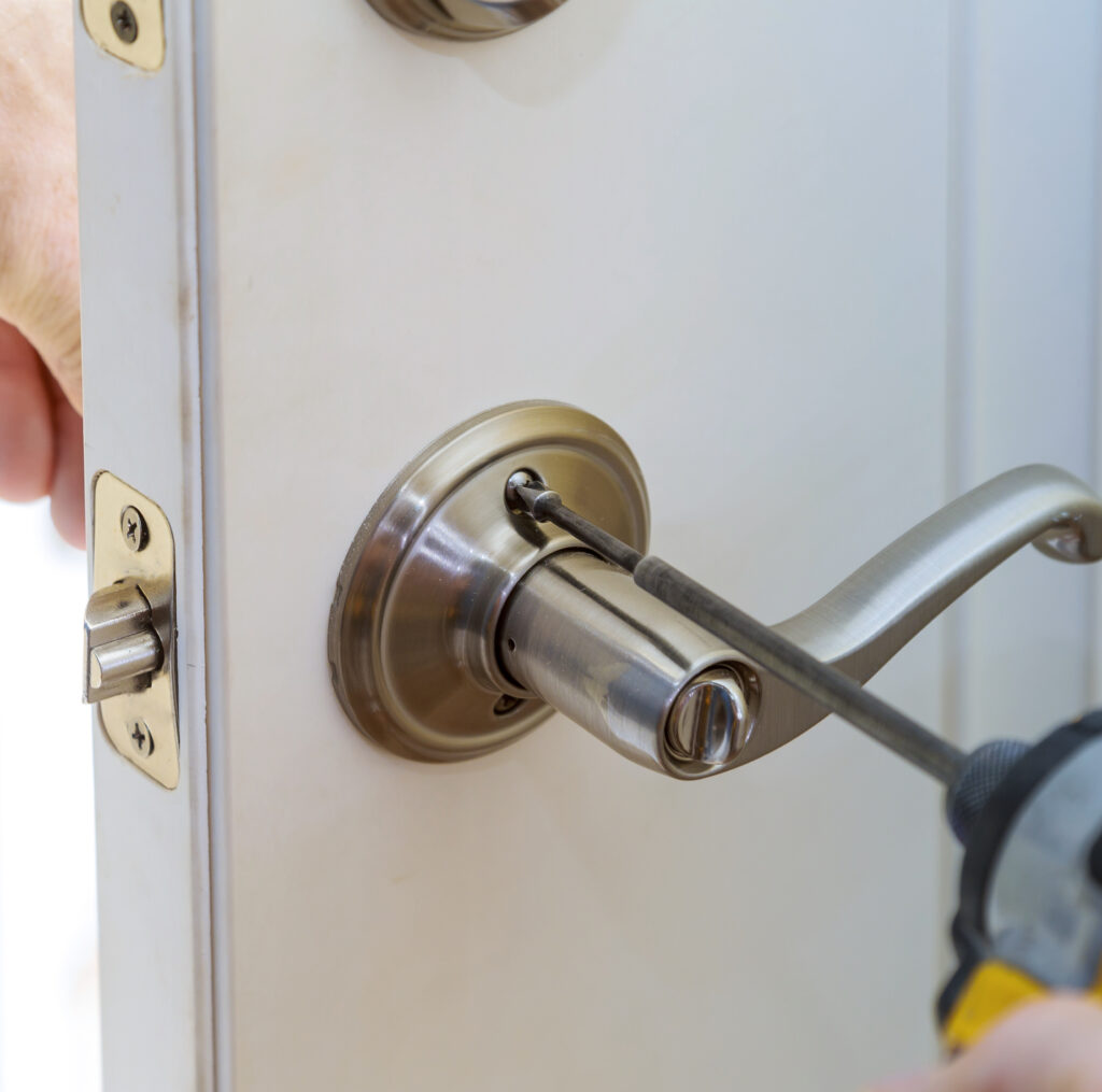 locksmith lock installation