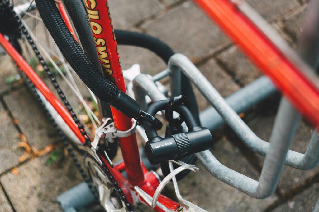 bike and motorbick lock cut and open