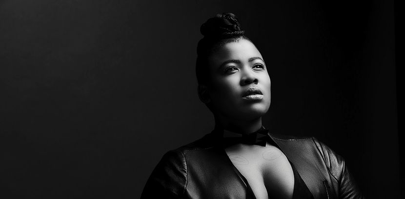 Photo of Thandiswa Mazwai Explains Why She Doesn't Have A Squad