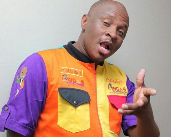 Photo of Dr Malinga Shares How Thankful He Is For His Friends And Family
