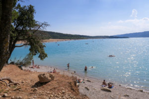 Gorges du Verdon, Travel Blog & Diary by Rosie Andre (south of france, beautiful, scenic, mountains, lake, nature, natural, visit, discover, wanderlust, photography, expat, explore, photography, blogger, traveller, day trip, must see)