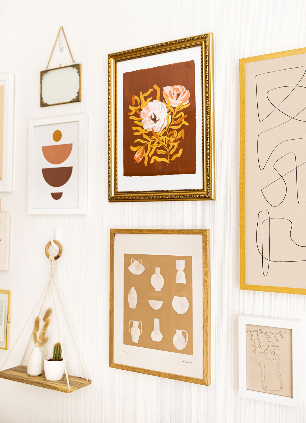 How to Create the Perfect Gallery Wall - Gallery Wall Tips – Photo Wall - Interior Decorating Tips – Kelsey Heinrichs - @kelseyinlondon - @homewithkelsey