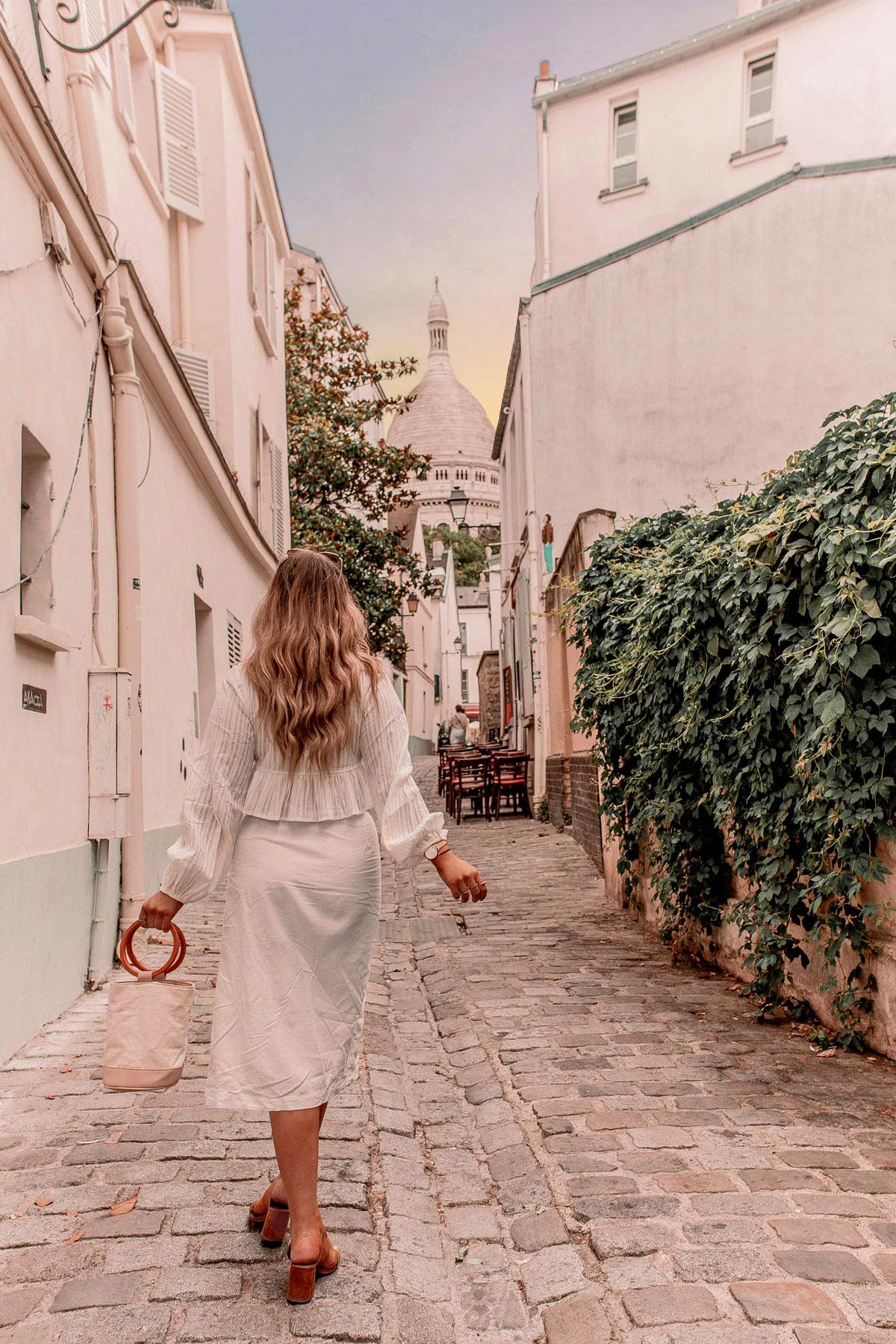 20-Best-Paris-Photography-Locations-Instagram-Spots--@kelseyinlondon-Kelsey-Heinrichs-Sacré-Cœur
