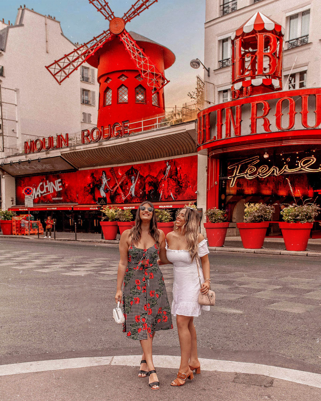 20-Best-Paris-Photography-Locations-Instagram-Spots--@kelseyinlondon-Kelsey-Heinrichs--moulin-rogue