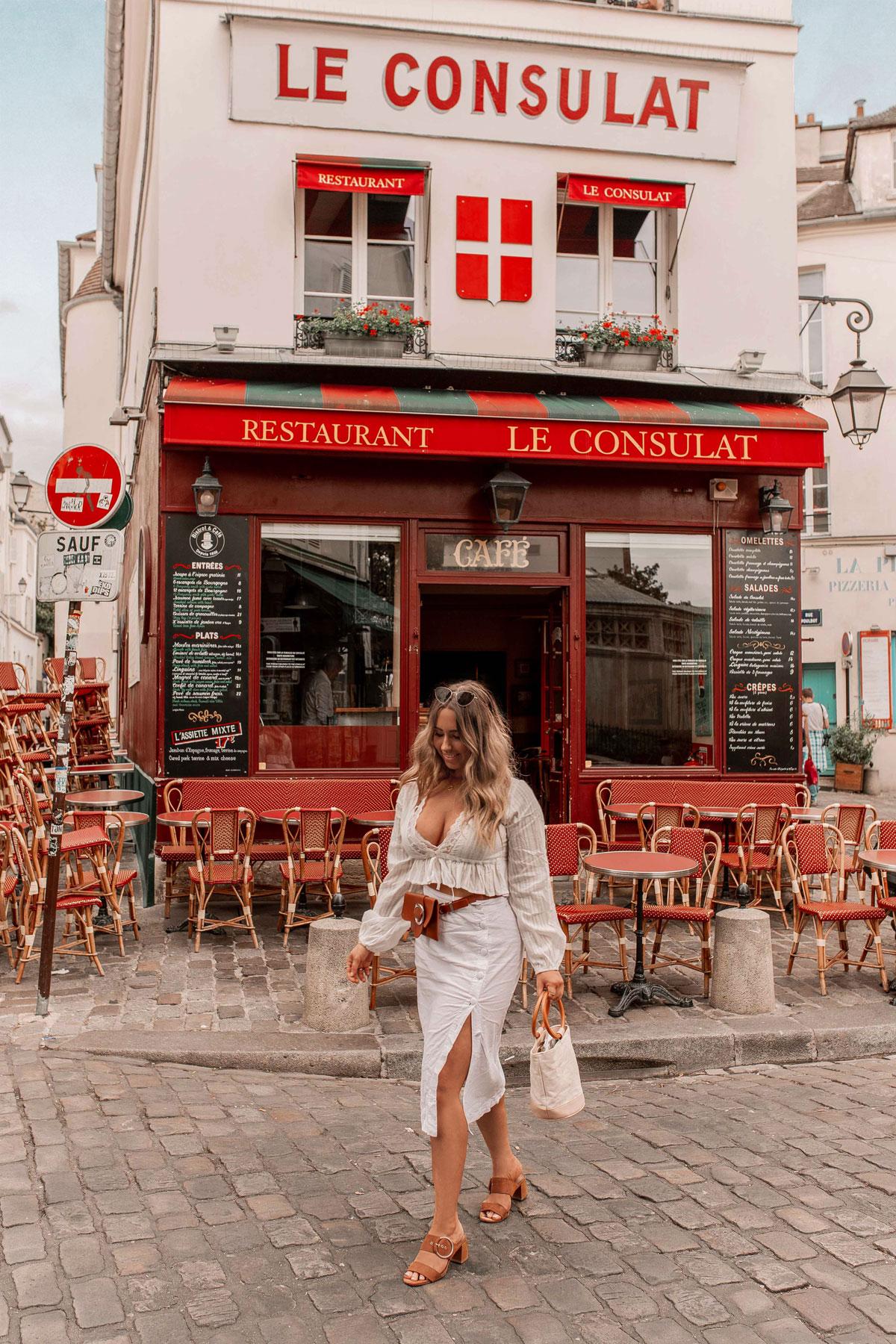 20-Best-Paris-Photography-Locations-Instagram-Spots-Pink-Mamma-@kelseyinlondon-Kelsey-Heinrichs--Le-Consulat-Restaurant