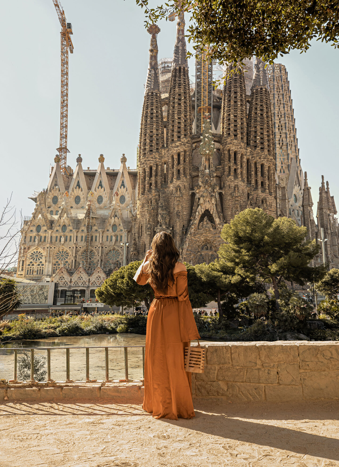 Top-things-to-do-in-Barcelona-Bucket-list-Instagram-Story-Template-kelseyinlondon-Kelsey-Heinrichs-What-to-do-in-Barcelona-Where-to-go-in-Barcelona-top-places-in-Barcelona-la-sagrada-familia