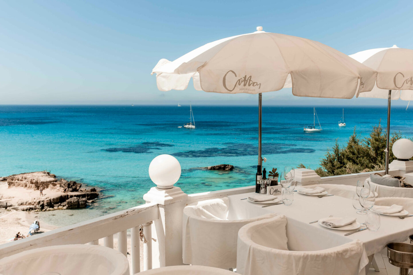1-Top-things-to-do-in-Ibiza-Bucket-list--Instagram-Story-Template--kelseyinlondon-Kelsey-Heinrichs--What-to-do-in-Ibiza--Where-to-go-in-Ibiza-top-places-in-Ibiza-cotton-beach-club