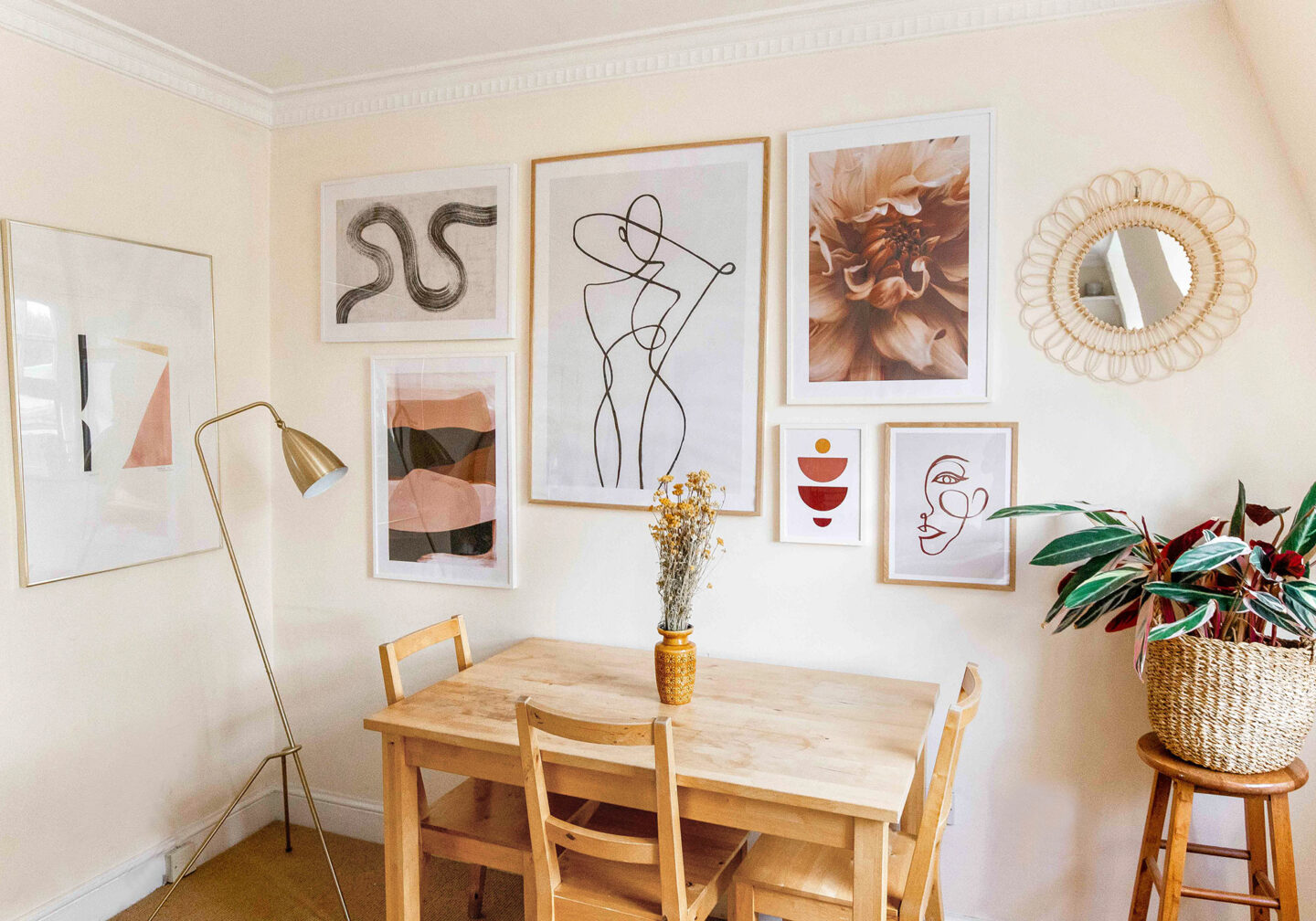 kelseyinlondon homewithkelsey living room makeover desenio gallery wall giveaway