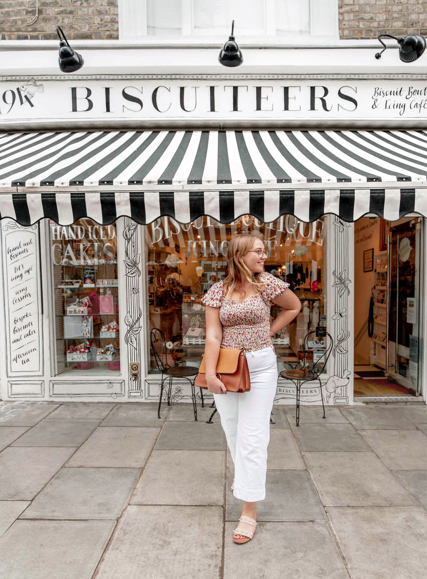 kelseyinlondon kelsey heinrichs london instagram spots notting hill guide adobe biscuiteers biscuit boutique and icing cafe