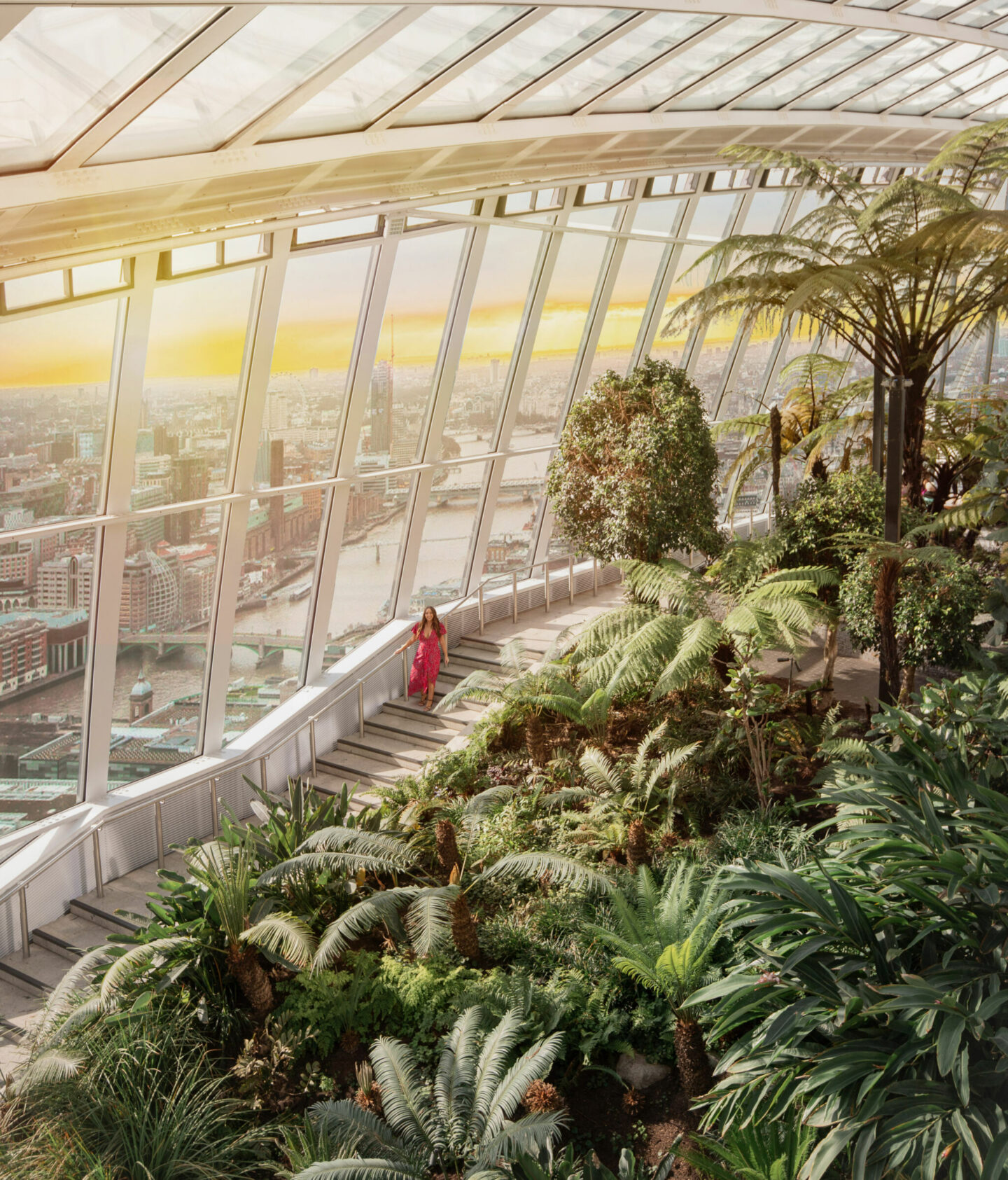 kelseyinlondon moving to london guide how to move to london tips kelsey heinrichs skygarden