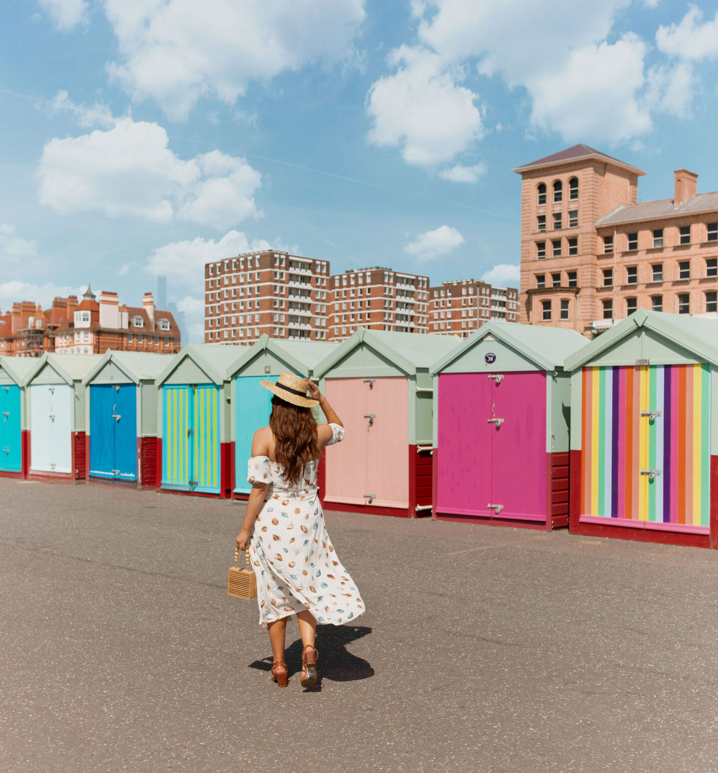 2-things-to-do-in-brighton-Bucket-list--Instagram-Story-Template--kelseyinlondon-Kelsey-Heinrichs-brighton-beach-huts