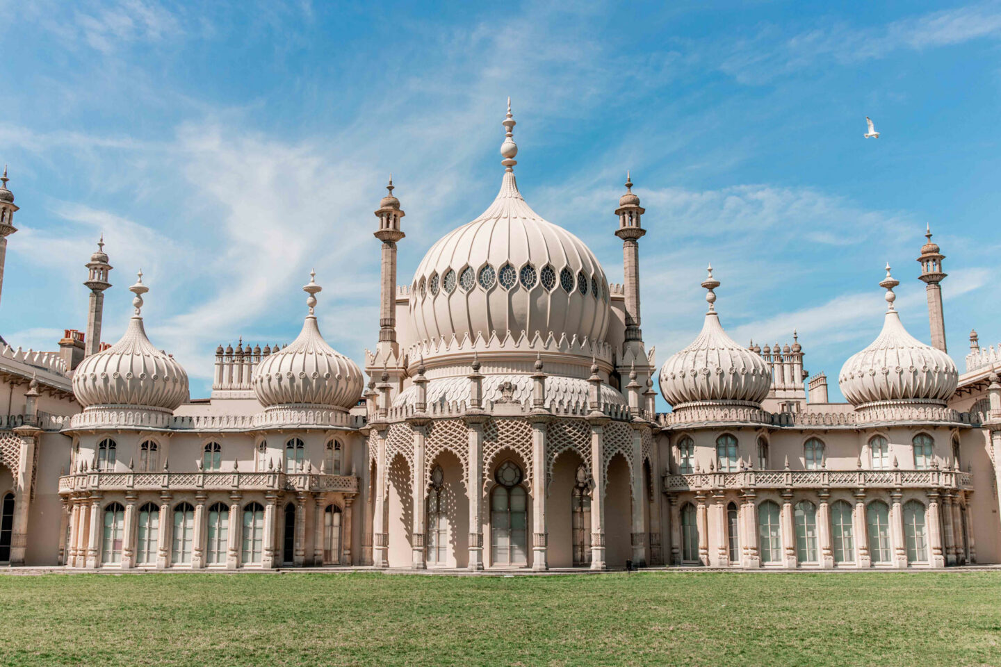 things-to-do-in-brighton-Bucket-list--Instagram-Story-Template--kelseyinlondon-Kelsey-Heinrichs-Royal_Pavilion.jpg