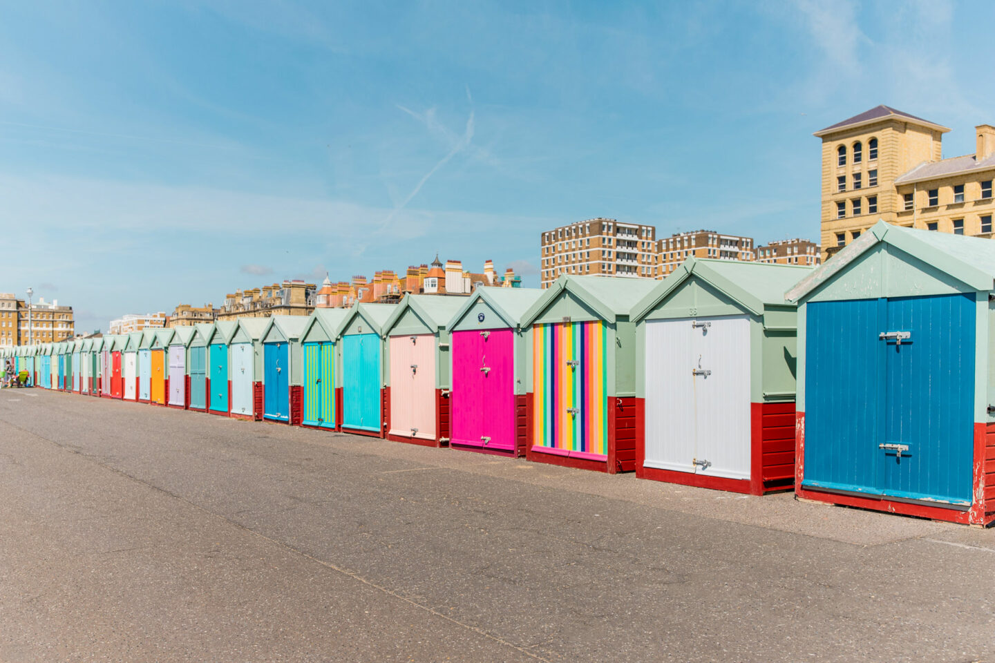 things-to-do-in-brighton-Bucket-list--Instagram-Story-Template--kelseyinlondon-Kelsey-Heinrichs-the-brighton-beach-huts.jpg