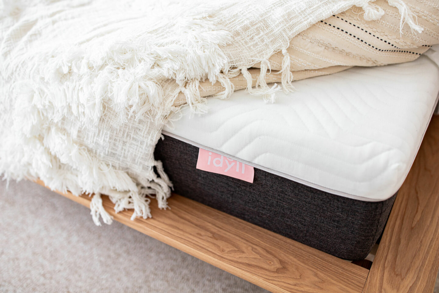 kelseyinlondon_kelsey_heinrichs_10_ways_to_Get_better_sleep_idyll_mattress