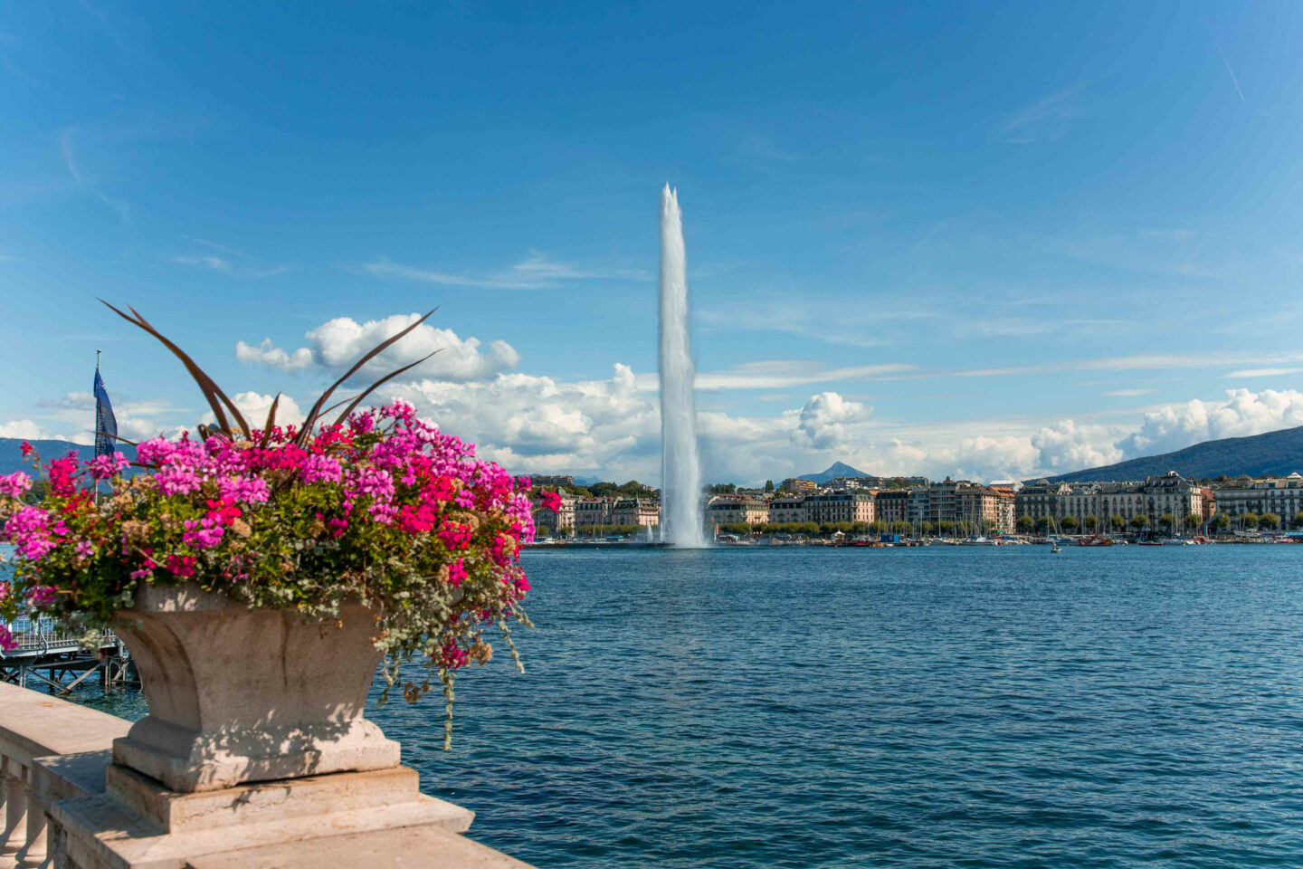 7-things-to-do-in-geneva-Bucket-list--Instagram-Story-Template--kelseyinlondon-Kelsey-Heinrichs-2