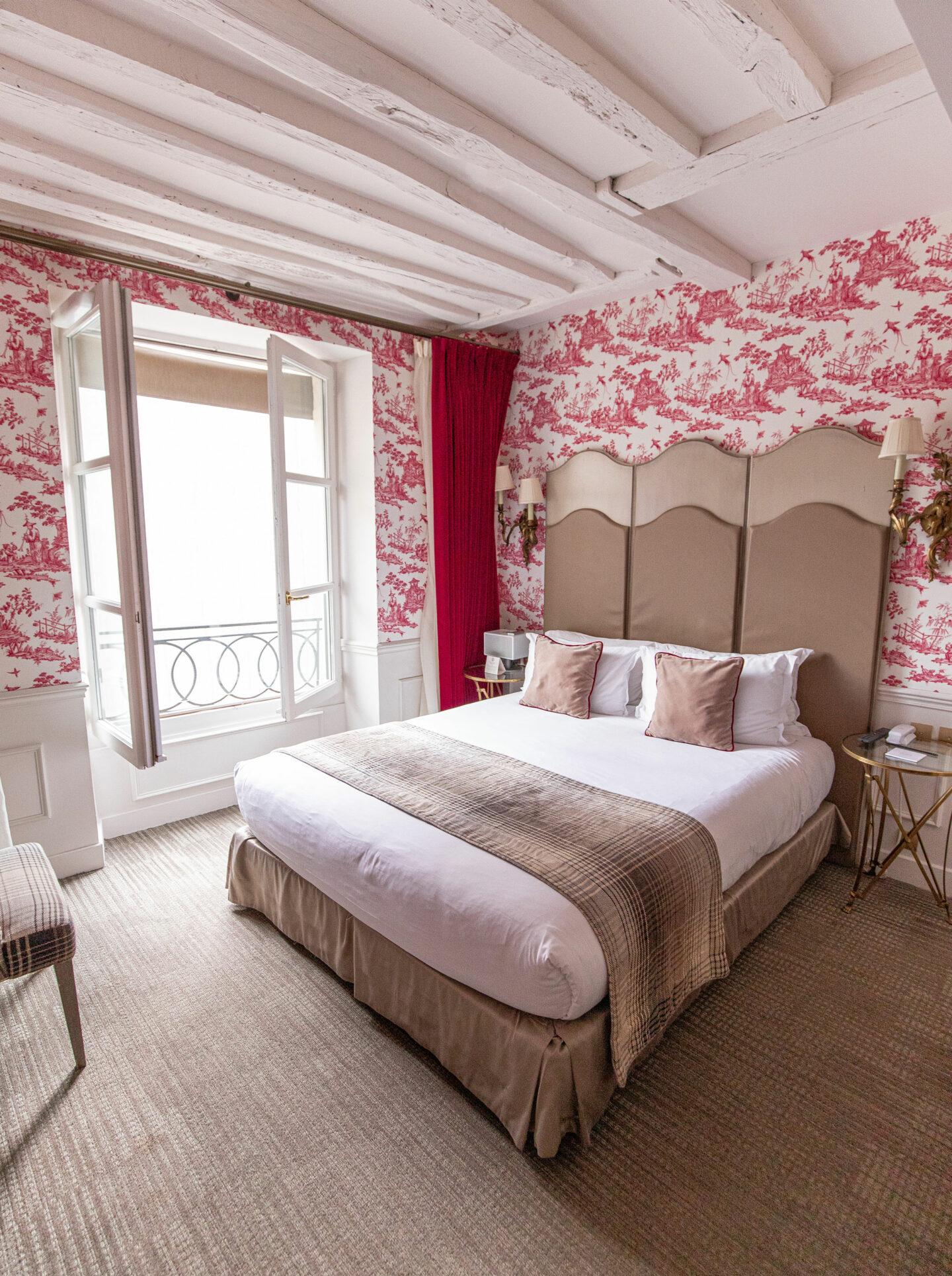 9-best-hotels-in-paris-where-to-stay-in-paris-paris-boutique-hotel-la-maison-favart-kelsey-heinrichs-kelseyinlondon