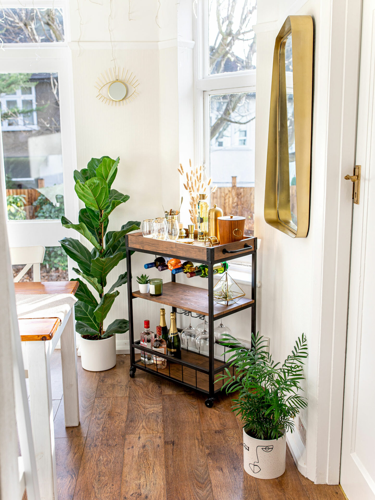 5-kelseyinlondon_new_year_resolutions_2020_homewithkelsey_bar_Cart_styling_bar_Cart_wayfair