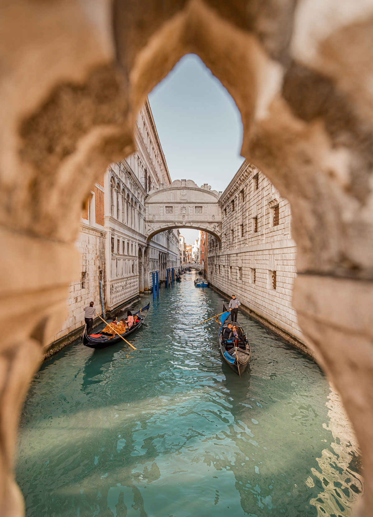 top things to do in Venice - Venice Instagram spots – Venice bucket list - kelseyinlondon - kelsey heinrichs - venice gondola ride - venice grand canal