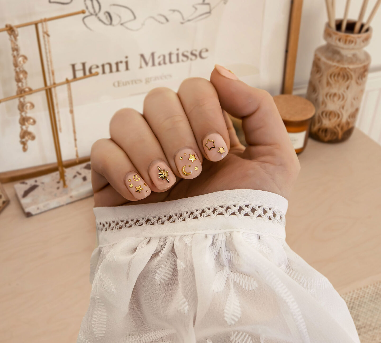 kelseyinlondon-kelsey-heinrichs-growing-nails-how-to-grow-your-nails-nail-art