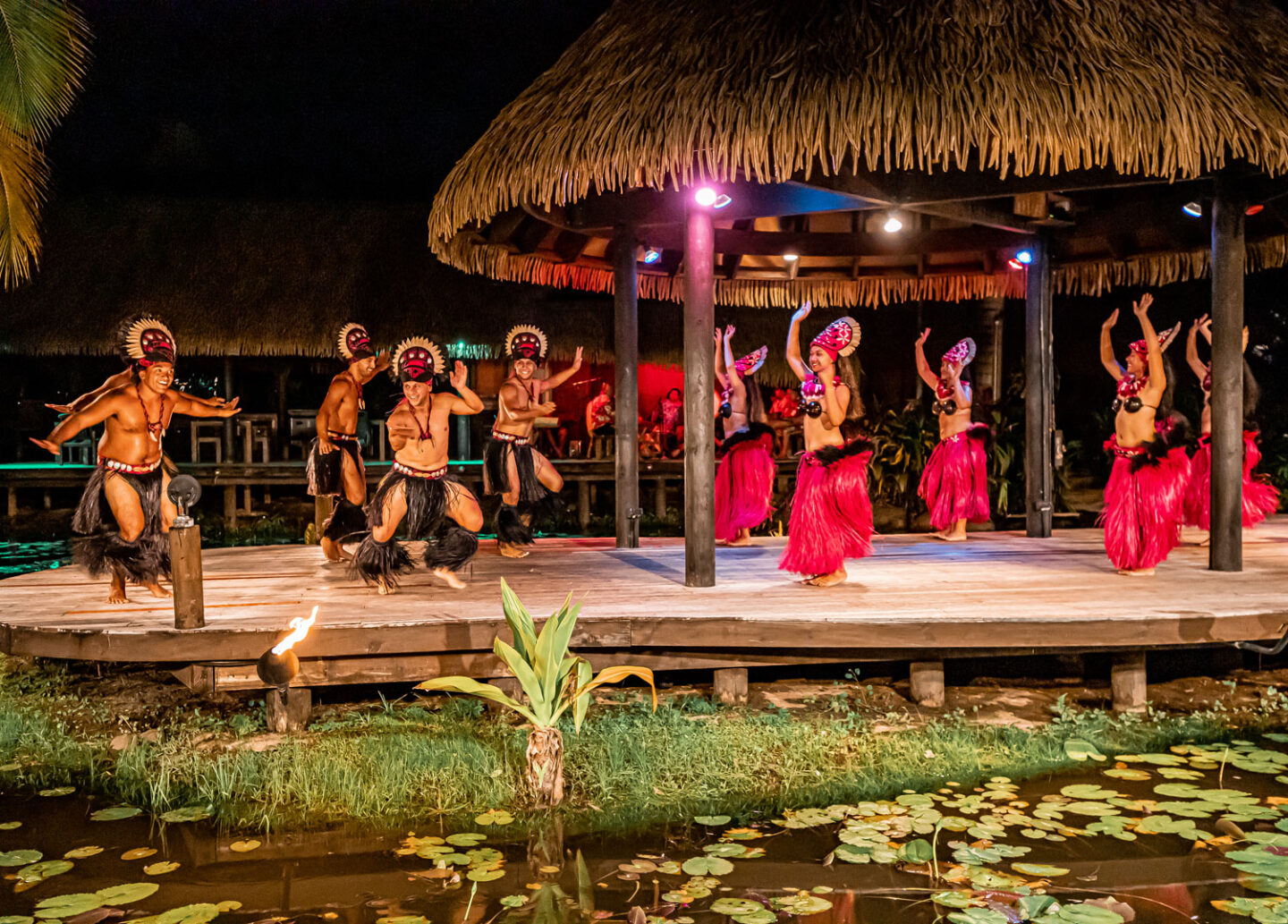 Island Night at Te Vara Nui Village Cook-Islands-Travel-Guide-–-Rarotonga-–-Aitutaki-–-Kelsey-Heinrichs---@kelseyinlondon